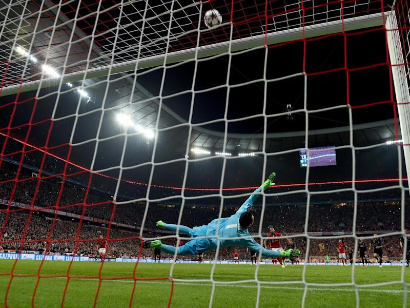Vidal ballooned his penalty attempt over the bar (Getty)