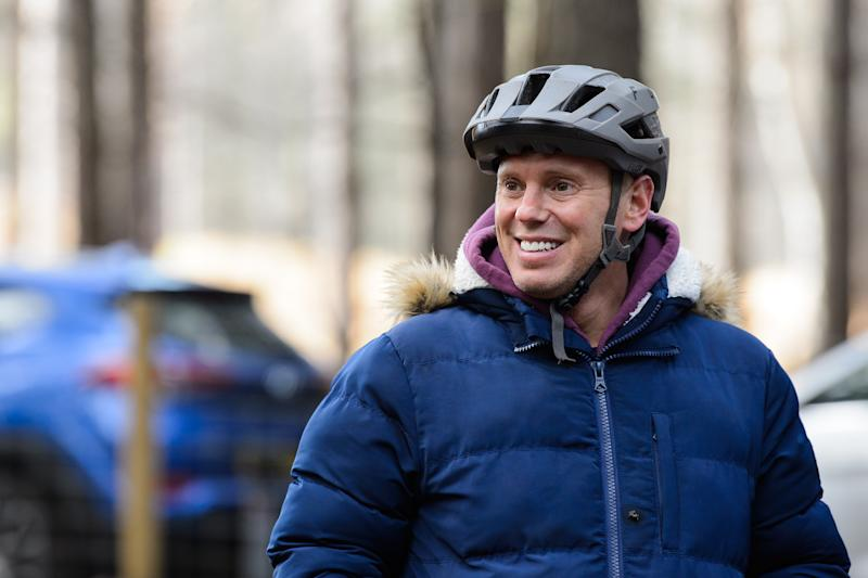 BRACKNELL, ENGLAND - FEBRUARY 06: Robert Rinder trains on a cycle track on February 06, 2020 in Bracknell, England. The celebrities are training for Sport Relief: On Thin Ice, as they prepare to cycle, skate and trek 100 miles across Lake Khövsgöl in Mongolia. (Photo by Joe Maher/Comic Relief/Getty Images)