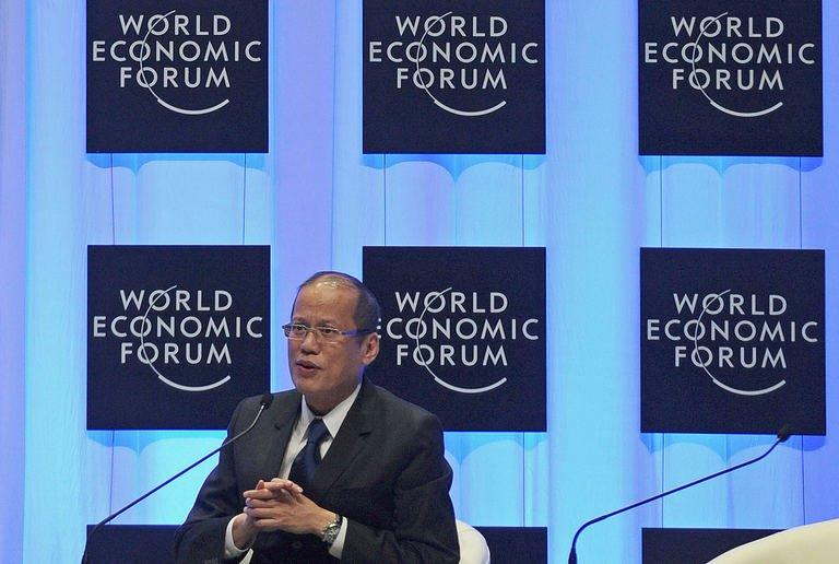 Philippines President Benigno Aquino addresses a session during the World Economic Forum on East Asia in Naypyidaw
