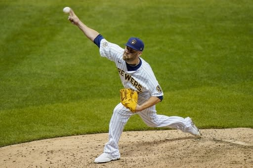 Phillies acquire reliever David Phelps from Brewers