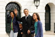 """<p> On Inauguration Day, the first family can't begin moving in until noon. But after the clock hits 12 p.m., things move fast. """"Officers from the General Services Administration are moving people out and in, painting and recarpeting. It takes every bit of 12 hours to finish up,"""" Bradley Blakeman, former President George W. Bush's deputy assistant told <a href=""""https://www.elledecor.com/life-culture/g3375/white-house-move-in/"""" rel=""""nofollow noopener"""" target=""""_blank"""" data-ylk=""""slk:Elle Decor"""" class=""""link rapid-noclick-resp"""">Elle Decor</a>.</p>"""