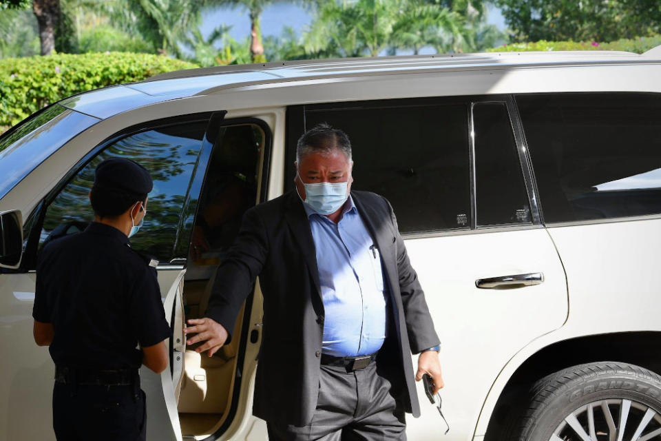 Datuk Seri Tiong King Sing of PDP arrives in Putrajaya. — Picture from Facebook/Muhyiddin Yassin