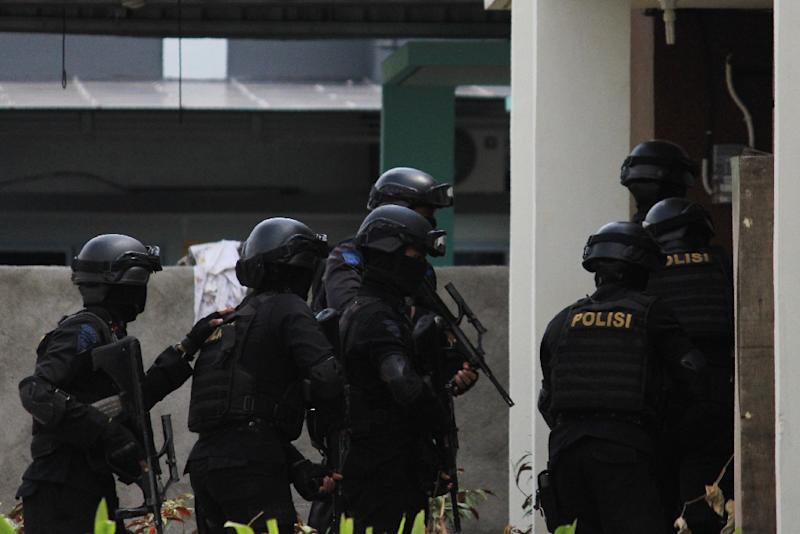 Indonesian police on August 5 arrested six suspected militants over a plot to launch a rocket attack on a Singapore waterfront district