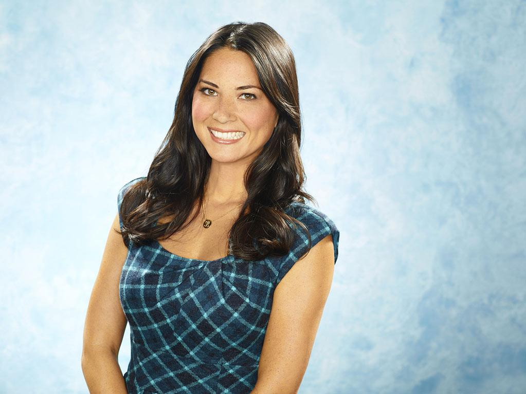 "Olivia Munn as Leigh in ""Perfect Couples."""