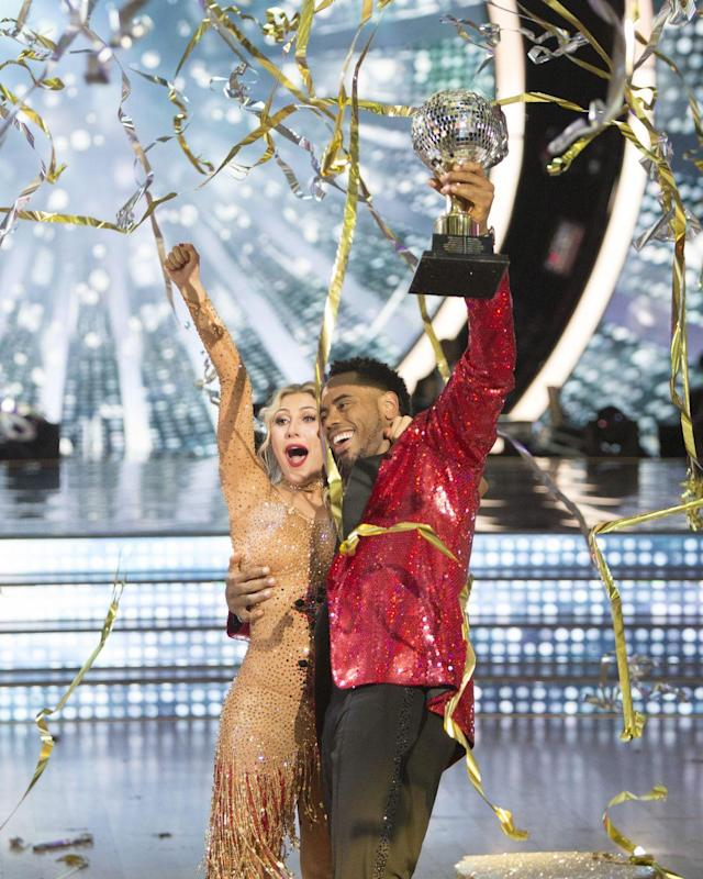 """<p>Rashad Jennings and Emma Slater found themselves holding the Mirror Ball Trophy at the end of season 24. The former NFL running back used those <a href=""""https://youtu.be/K7ALnaOpncQ"""" rel=""""nofollow noopener"""" target=""""_blank"""" data-ylk=""""slk:quick feet to his advantage"""" class=""""link rapid-noclick-resp"""">quick feet to his advantage</a>.</p>"""