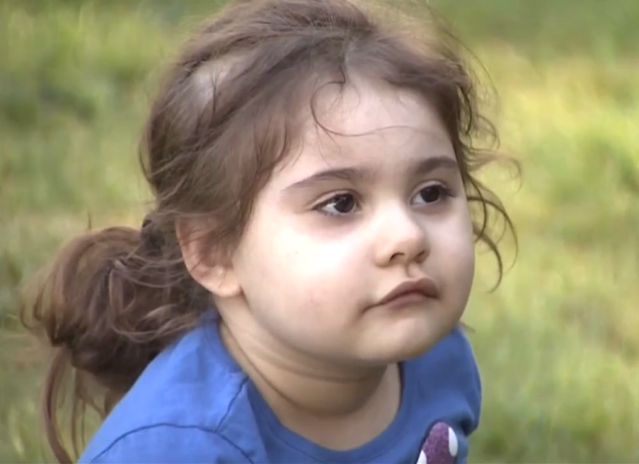 Three-year-old LouLou Wende cannot speak. When another child on her school bus began to rip out LouLou's hair, the bus driver did not intervene. (Photo: KIRO 7)