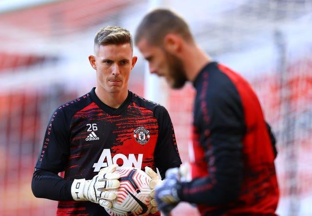 Dean Henderson and David De Gea are competing to start for Manchester United