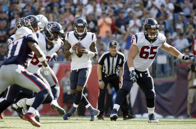 Deshaun Watson was dealing in Week 3, topping 300 yards and tossing a pair of TD passes. (AP Photo/Michael Dwyer)