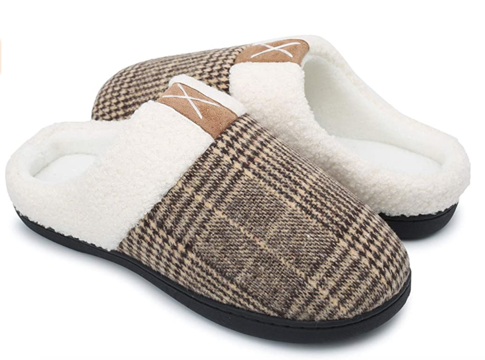 SYKT Unisex Memory Foam Slippers in Brown