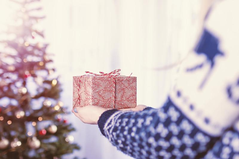 The Average Amount Parents Spend on Christmas Presents Per Child ...