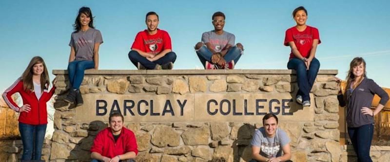 Barclay College sign with students