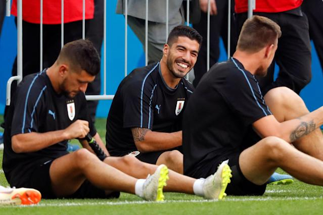 Soccer Football - World Cup - Uruguay Training - Samara Arena, Samara, Russia - June 24, 2018 Uruguay's Luis Suarez and team mates during training REUTERS/David Gray