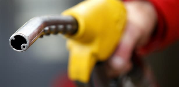 615_Gas_Nozzle_Pump_Fuel_Reuters.jpg