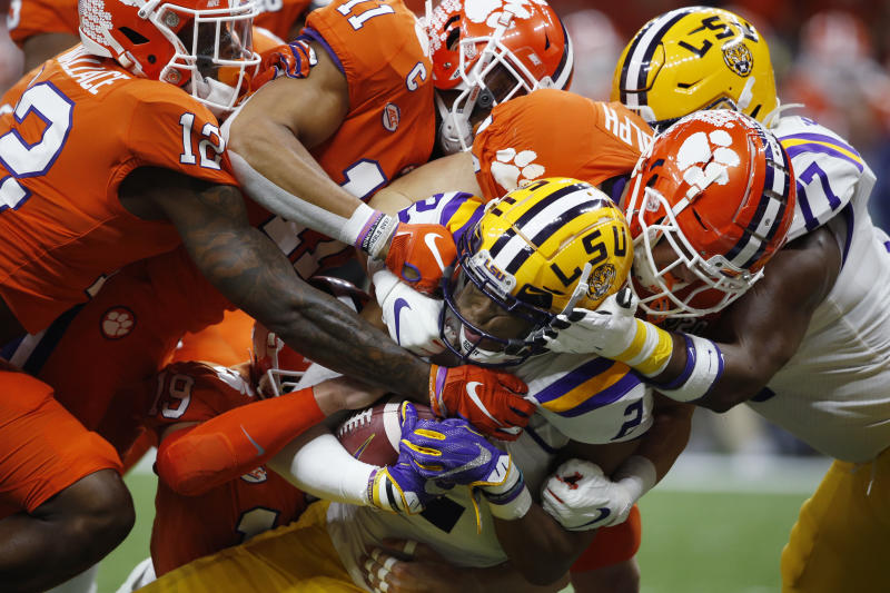 Trump gets warm reception at the LSU-Clemson national championship game