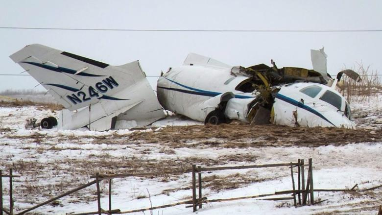 Unstable approach was key factor in plane crash that killed Jean Lapierre and family, TSB report finds