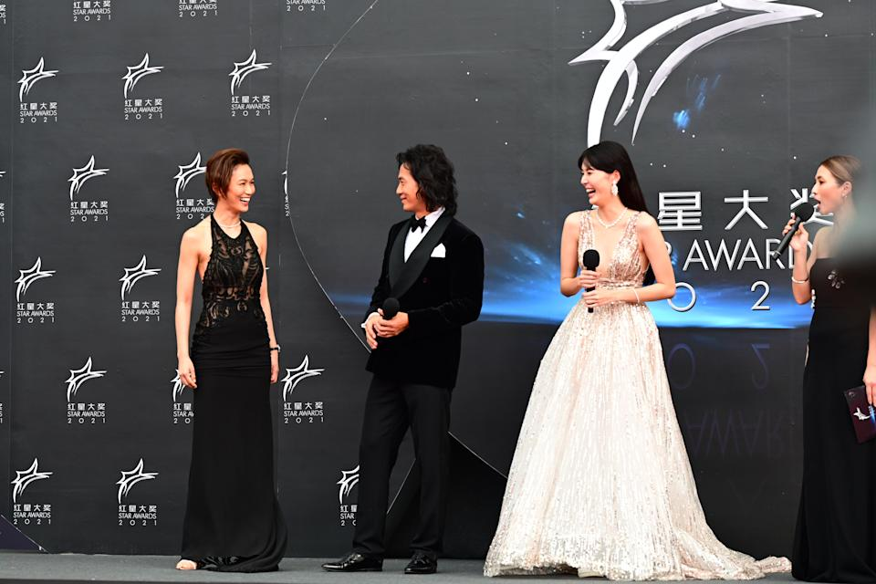 Joanne Peh, Qi Yu Wu, Carrie Wong and Vivian Lai at Star Awards held at Changi Airport on 18 April 2021. (Photo: Mediacorp)