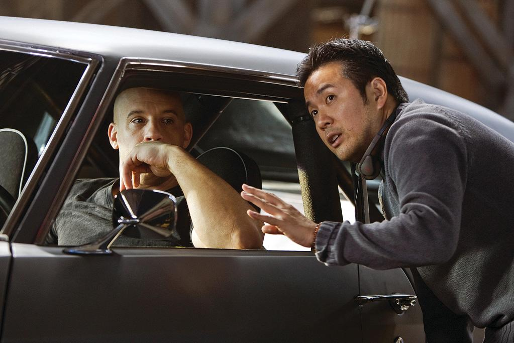 "<a href=""http://movies.yahoo.com/movie/contributor/1800020716"">Vin Diesel</a> and director <a href=""http://movies.yahoo.com/movie/contributor/1804516514"">Justin Lin</a> on the set of Universal Pictures' <a href=""http://movies.yahoo.com/movie/1809989992/info"">Fast & Furious</a> - 2009"
