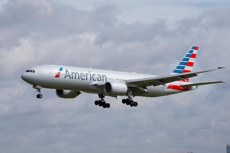 American Airlines Pilot Dies on New Mexico-Bound Flight