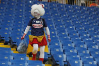 <p>A fan of Japan collects trash after the round of 16 match between Belgium and Japan at the 2018 soccer World Cup in the Rostov Arena, in Rostov-on-Don, Russia, Monday, July 2, 2018. (AP Photo/Pavel Golovkin) </p>