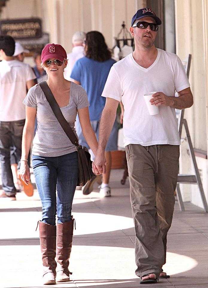 """Reese Witherspoon and her new main squeeze, Jim Toth, were spotted enjoying a weekend getaway in Ojai, California. Sinister/<a href=""""http://www.x17online.com"""" target=""""new"""">X17 Online</a> - March 20, 2010"""