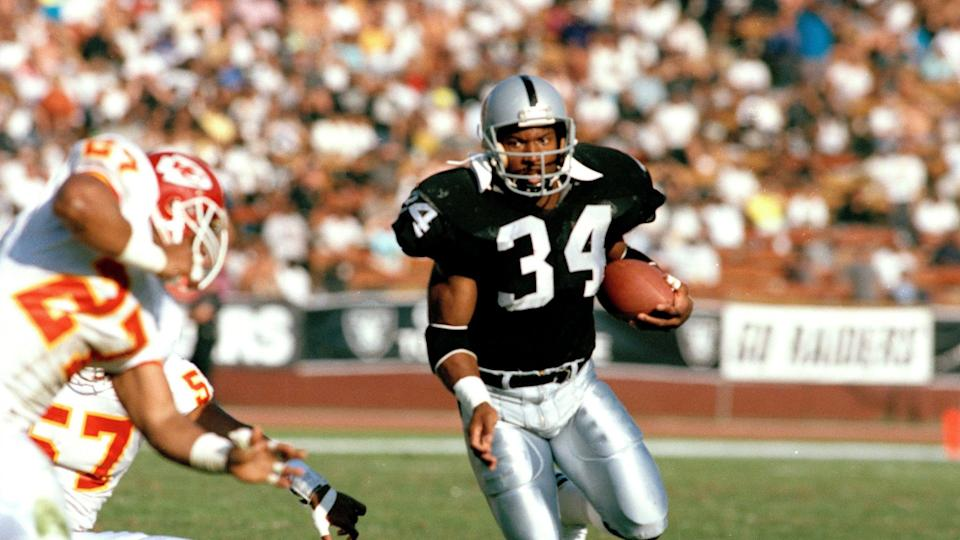 Mandatory Credit: Photo by Reed Saxon/AP/Shutterstock (6572213a)Bo Jackson Running back Bo Jackson (34) of the Los Angeles Raiders carries the ball during a game against the Kansas City Chiefs in Los Angeles, CalifRaiders vs Chiefs Bo Jackson, Los Angeles, USA.