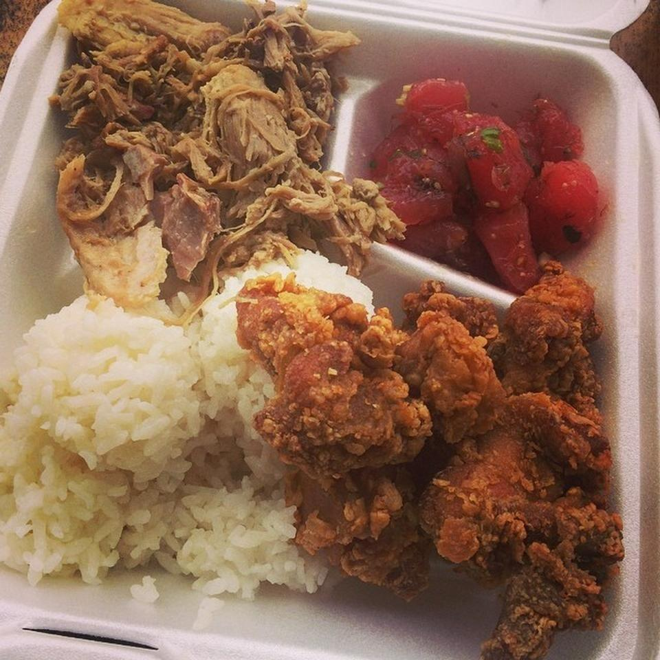 """<p><a href=""""https://www.tripadvisor.com/Restaurant_Review-g60616-d1605297-Reviews-Pono_Market-Kapaa_Kauai_Hawaii.html"""" rel=""""nofollow noopener"""" target=""""_blank"""" data-ylk=""""slk:Pono Market"""" class=""""link rapid-noclick-resp"""">Pono Market</a><span class=""""redactor-invisible-space"""">, Kapa'a</span></p><p><span class=""""redactor-invisible-space""""><span class=""""redactor-invisible-space"""">Love the combo plates. I combined their <span class=""""entity tip_taste_match"""">fried chicken</span> with some <span class=""""entity tip_taste_match"""">spicy ahi poke</span>. Amazing <span class=""""entity tip_taste_match"""">Hawaiian style</span> street-food.<span class=""""redactor-invisible-space""""> - Foursquare user <a href=""""https://foursquare.com/holger"""" rel=""""nofollow noopener"""" target=""""_blank"""" data-ylk=""""slk:Holger Luedorf"""" class=""""link rapid-noclick-resp"""">Holger Luedorf</a></span><br></span></span></p>"""