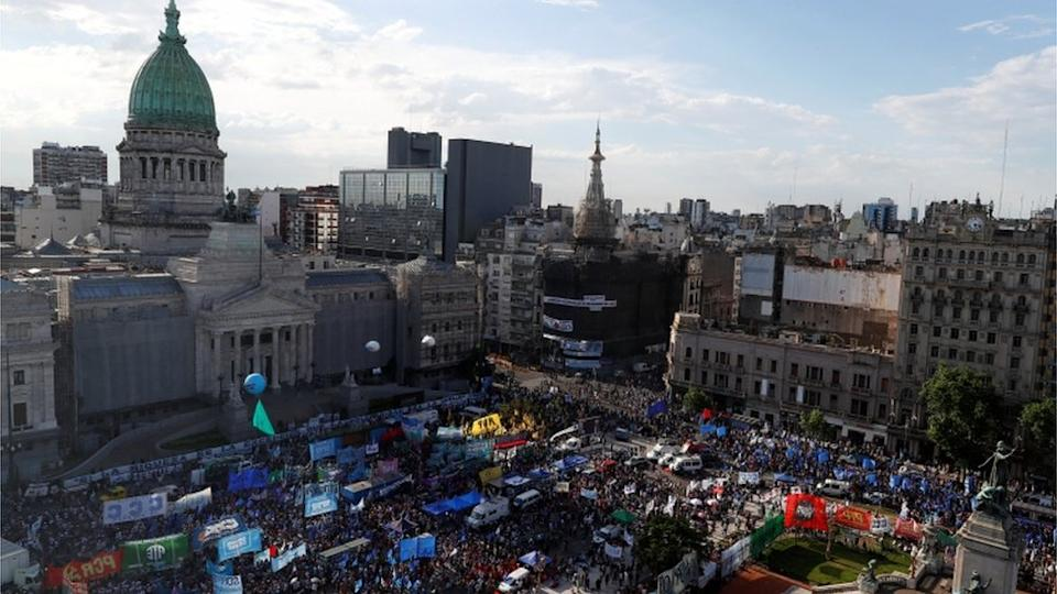 Argentina to tax rich to boost its economy