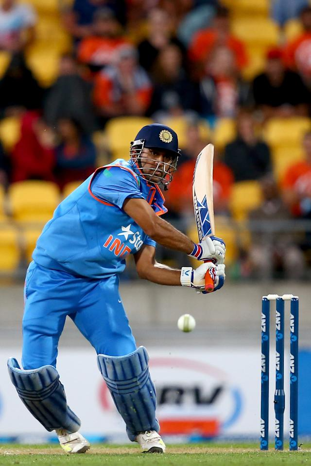 WELLINGTON, NEW ZEALAND - JANUARY 31:  MS Dhoni of India bats during Game 5 of the men's one day international between New Zealand and India at Westpac Stadium on January 31, 2014 in Wellington, New Zealand.  (Photo by Phil Walter/Getty Images)