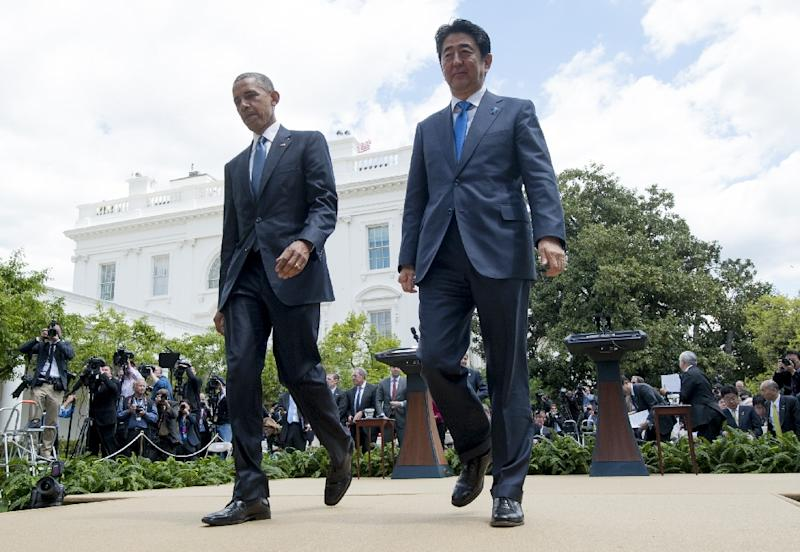 US President Barack Obama (L) and Japanese Prime Minister Shinzo Abe, pictured on April 28, 2015, held a conversation as Obama tried to allay concerns that Washington spied on Japanese politicians