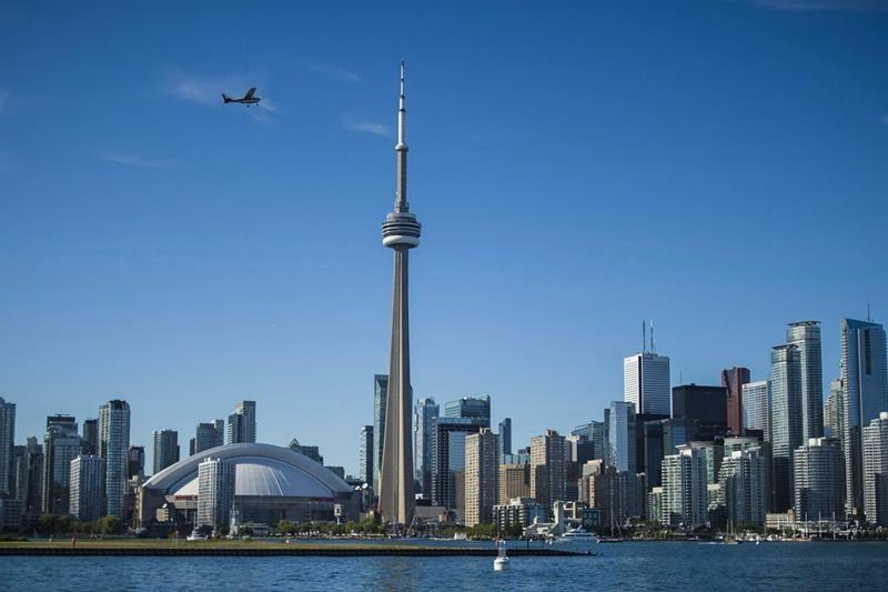 City of Toronto reaches tentative deal with outside workers' union