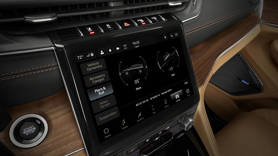 2021 Jeep® Grand Cherokee L Summit Reserve features a standard Uconnect 5 10.1-inch digital touchscreen with off-road pitch and roll display.