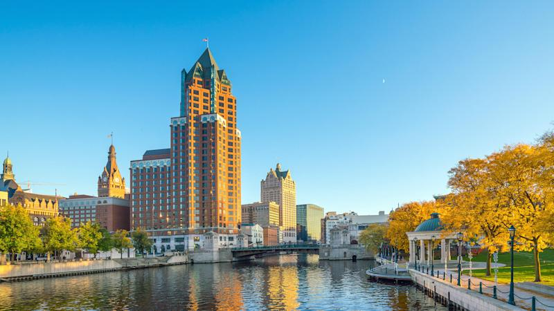 Milwaukee, Wisconsin, FHA, insurance, real estate, homebuyers, foreclosure, single-family, home median price, mortgage, down payment