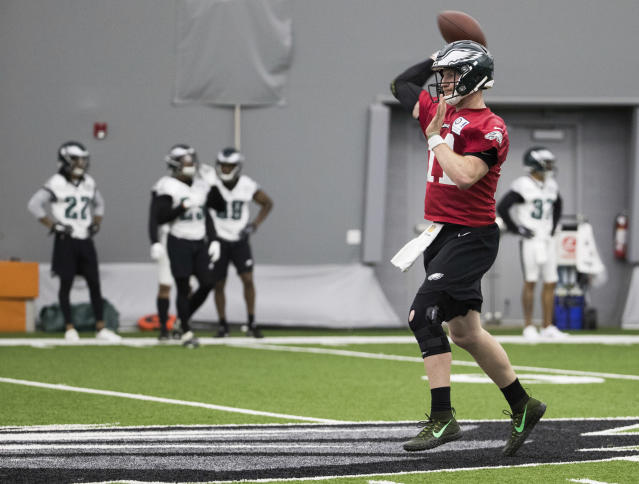 Philadelphia Eagles quarterback Carson Wentz throws the ball during practice at offseason practice on Tuesday. (AP)