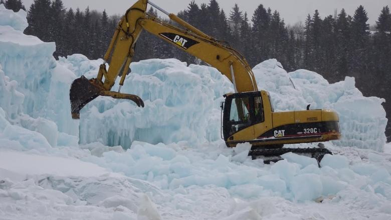 Tearing it down: Wrecking crews storm Edmonton's ice castle