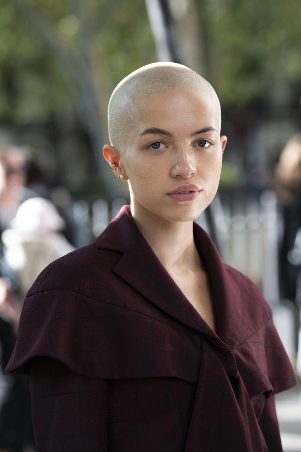 """<p>As so eloquently <a href=""""https://www.popsugar.com/beauty/bruce-willis-gives-daughter-tallulah-buzzcut-47376297"""" class=""""link rapid-noclick-resp"""" rel=""""nofollow noopener"""" target=""""_blank"""" data-ylk=""""slk:demonstrated by Tallulah Willis"""">demonstrated by Tallulah Willis</a> and <a href=""""https://www.popsugar.com/beauty/antoni-porowski-buzzcut-hairstyle-47646738"""" class=""""link rapid-noclick-resp"""" rel=""""nofollow noopener"""" target=""""_blank"""" data-ylk=""""slk:Antoni Porowski"""">Antoni Porowski</a>: <a href=""""https://www.popsugar.com/beauty/Women-Buzz-Cut-Hairstyles-44242074"""" class=""""link rapid-noclick-resp"""" rel=""""nofollow noopener"""" target=""""_blank"""" data-ylk=""""slk:buzz cuts"""">buzz cuts</a> can be damn <em>cool</em> (and are very on-trend right now, according to <a href=""""https://www.instagram.com/larryjarahsims/?hl=en"""" class=""""link rapid-noclick-resp"""" rel=""""nofollow noopener"""" target=""""_blank"""" data-ylk=""""slk:Larry Sims"""">Larry Sims</a>, celebrity hairstylist and co-founder of Flawless by <a class=""""link rapid-noclick-resp"""" href=""""https://www.popsugar.com/Gabrielle-Union"""" rel=""""nofollow noopener"""" target=""""_blank"""" data-ylk=""""slk:Gabrielle Union"""">Gabrielle Union</a>). This is characterized by hair that's been completely buzzed off, or left with at least an inch of hair from the scalp.</p>"""