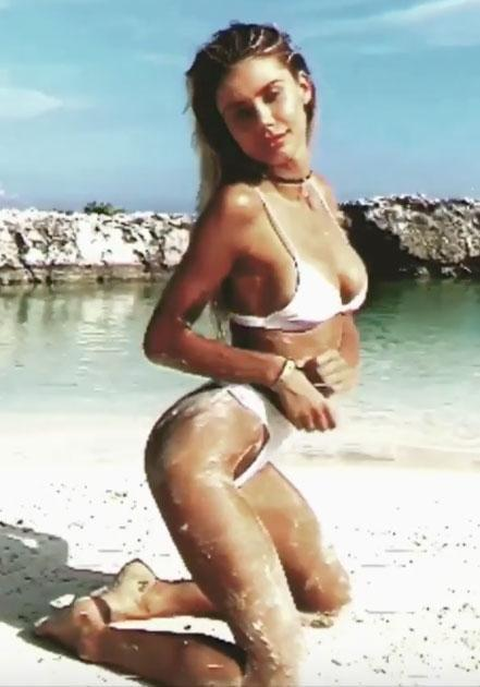 Blonde bombshell Sahara Ray has once again stripped down for her fans, putting on quite a show on her Instagram account. Source: Instagram/@sahara_ray