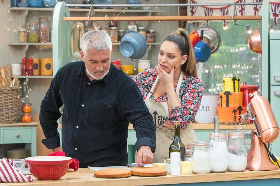 Kelly Brook's champagne sponge fell flat with judge Paul Hollywood on 'The Great Stand Up To Cancer Bake Off'.