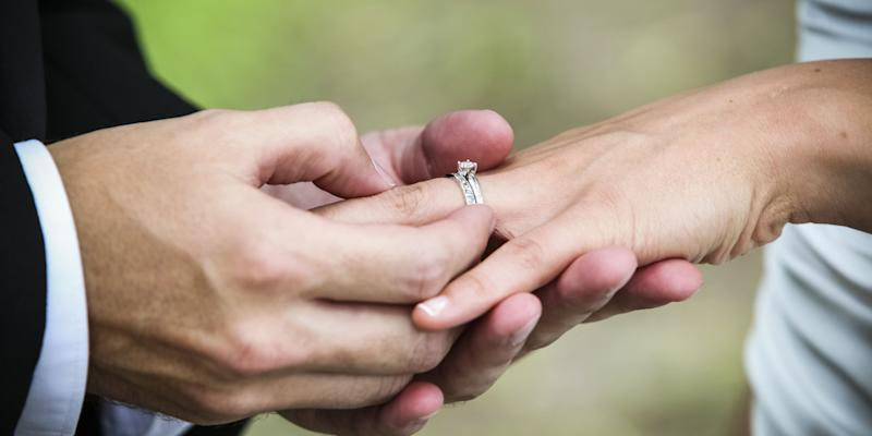 One man really wanted his £10,000 engagement ring back [Photo: Getty]