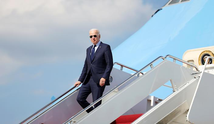 Image: Joe Biden disembarks from Air Force One (Evelyn Hockstein / Reuters file)