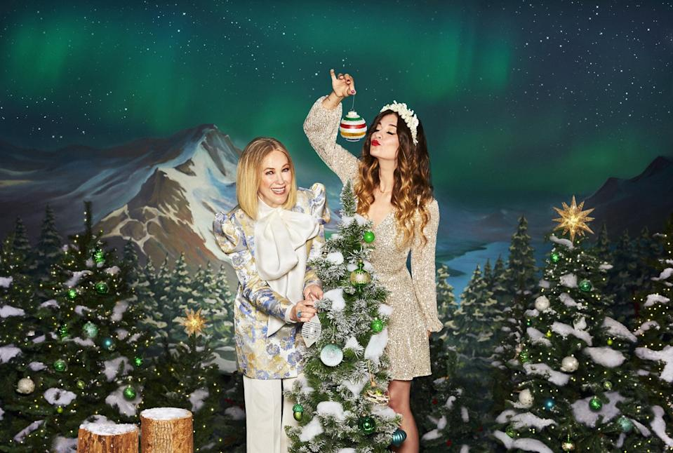 Schitt's Creek's Moira and Alexis Star in This Holiday Campaign, and It's Bringing Us So Much Joy