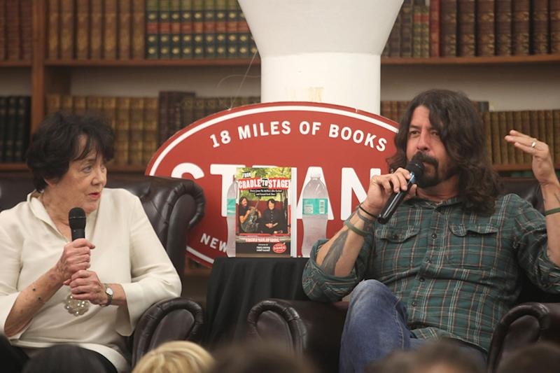 Grohl: Foolish to Open Schools at Expense of Students + Teachers