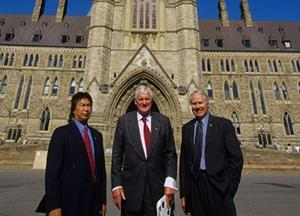 Former Prime Minister and former WWF-Canada Director John Turner (centre) with ex-NWT Premier Stephen Kakfwi (left) and WWF-Canada President Emeritus Monte Hummel (right) in Ottawa successfully lobbying for funding of the NWT Protected Areas Strategy. (© Monte Hummel)
