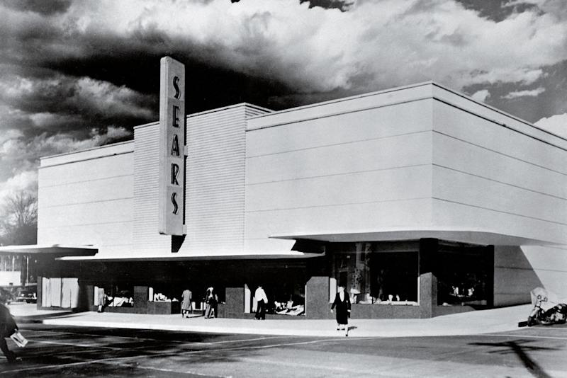 BUILDING A BOOM: A Sears in Jackson, Miss., in 1949. Sears' decision to expand its store network during the 1940s was key to its dominance during the post–World War II expansion.   Bettmann Archive—Getty Images