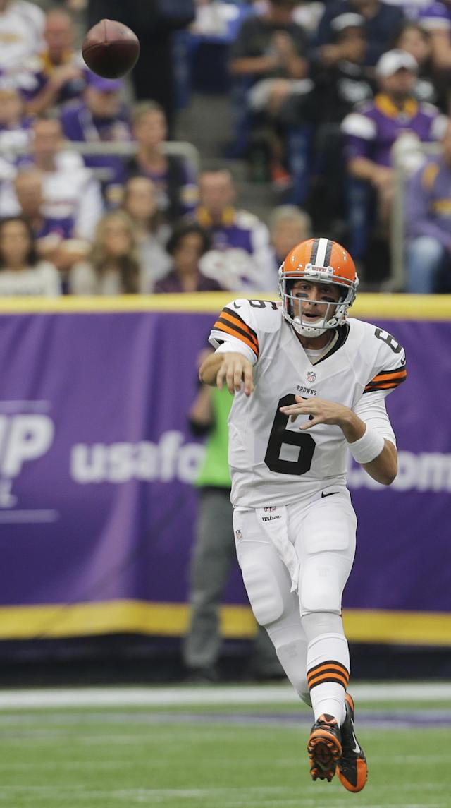 Cleveland Browns quarterback Brian Hoyer throws a pass during the first half of an NFL football game against the Minnesota Vikings Sunday, Sept. 22, 2013, in Minneapolis. (AP Photo/Ann Heisenfelt)