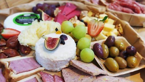 Instagrammable Grazing Platters: Where to Buy The Best Grazing Boxes and Cheese Platters in Singapore?