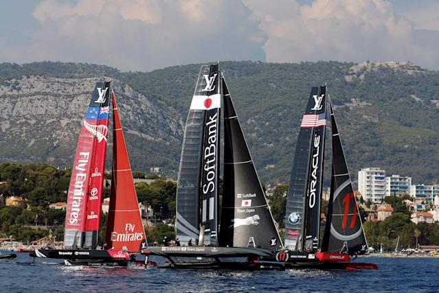 France Sailing - Louis Vuitton America's Cup World series - Toulon, France - 10/09/2016. Emirates Team New Zealand, Softbank Team Japan and Oracle Team USA (L to R) take the start during Day One. REUTERS/Jean-Paul Pelissier