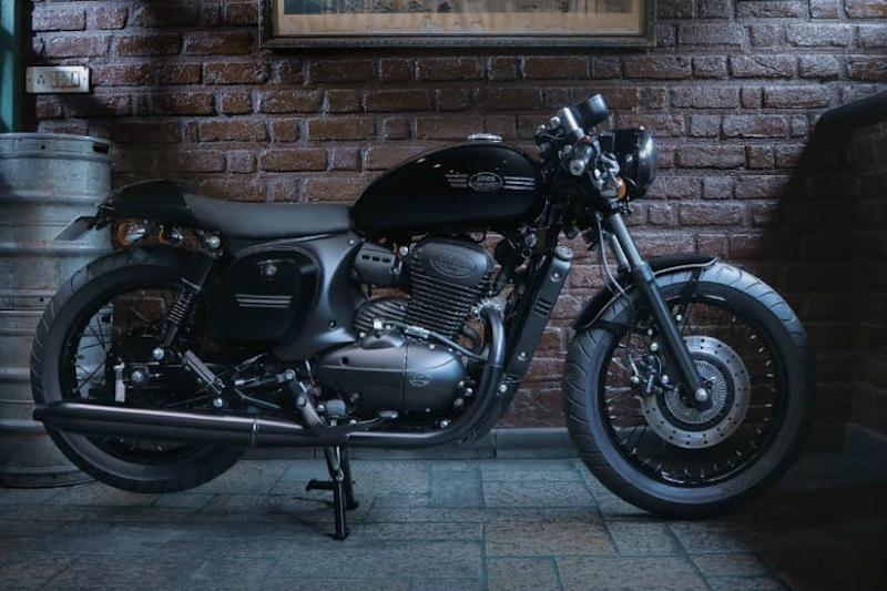 This Modified Jawa 42 with Black Paint Looks Inspired from Royal Enfield Thunderbird