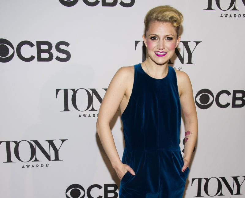 Theater vets crowd out Hollywood stars at Tonys