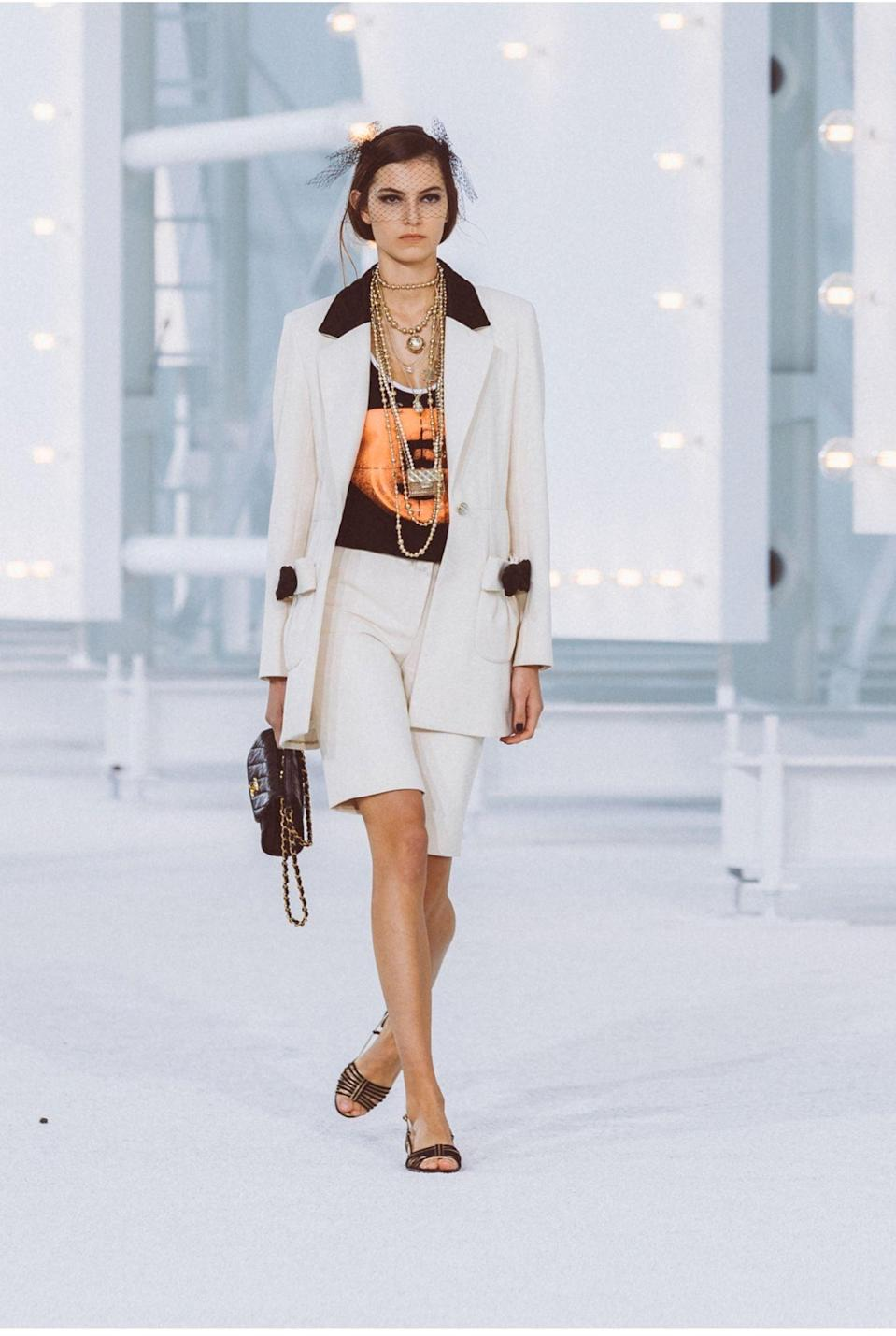 <p>A bag from the Chanel Spring / Summer 2021 runway.</p>