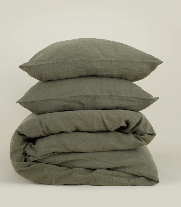 "<p><strong>Hawkins New York </strong></p><p>hawkinsnewyork.com</p><p><strong>$78.00</strong></p><p><a href=""https://www.hawkinsnewyork.com/collections/bedding/products/simple-linen-bedding-olive"" rel=""nofollow noopener"" target=""_blank"" data-ylk=""slk:Shop Now"" class=""link rapid-noclick-resp"">Shop Now</a></p><p>Switching out your sheets for darker hued ones will have you instantly in the fall mood every morning.</p>"